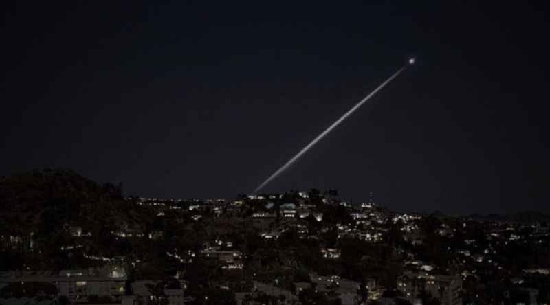 9 Dot And Beam Over LA