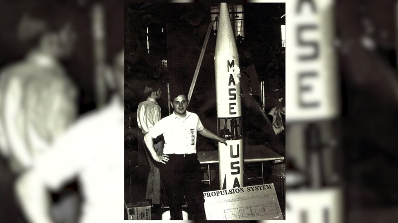 6 Photo With MASE Rocket