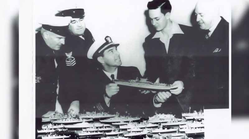 36 Tompkins Shows Naval Officers His Models